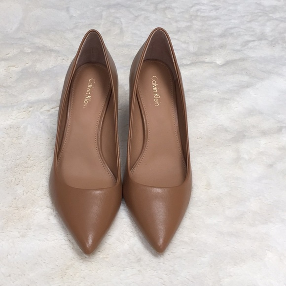 Nwot Calvin Klein Gayle Leather Pointed